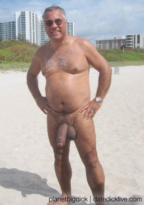 голые зрелые мужики фото в ютубе